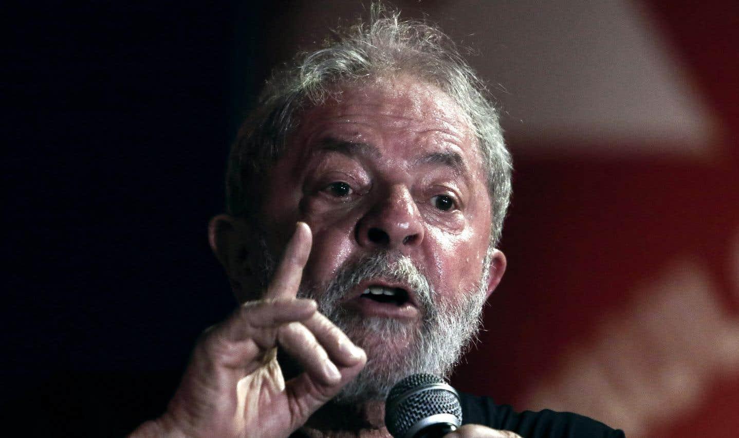 Brésil: Lula condamné en appel à 12ans de prison