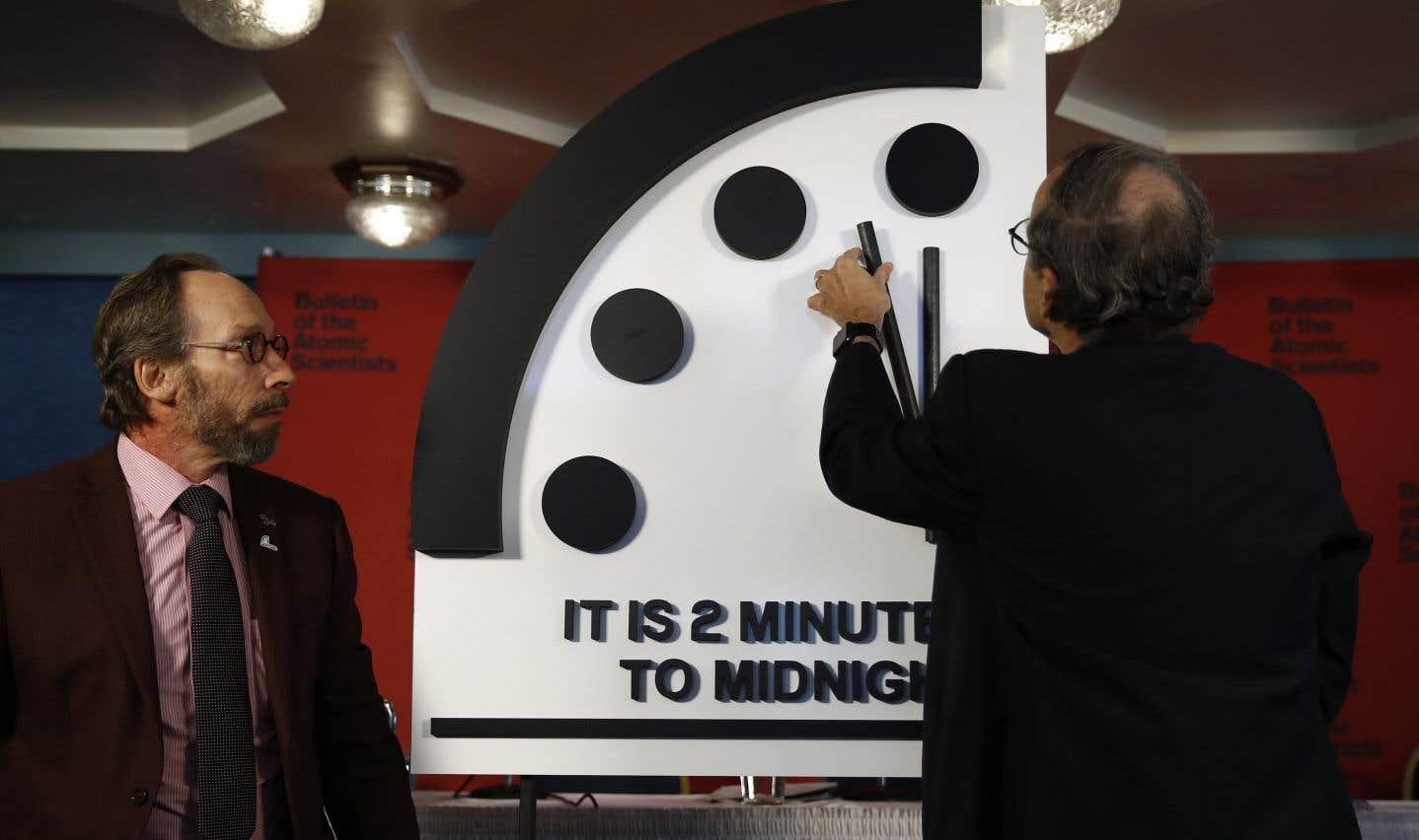 L'aiguille de l'horloge du «Bulletin of the Atomic Scientists» n'avait pas été aussi proche de minuit depuis 1953, en pleine guerre froide.