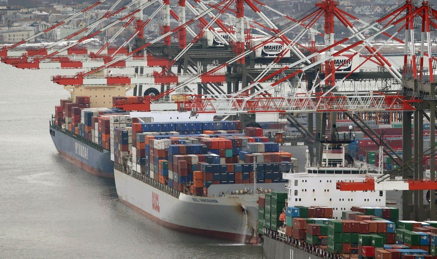 Cette vigueur de la consommation a un revers: les importations ont bondi. Elles ont accéléré de 13,9%, une progression inédite depuis sept ans.