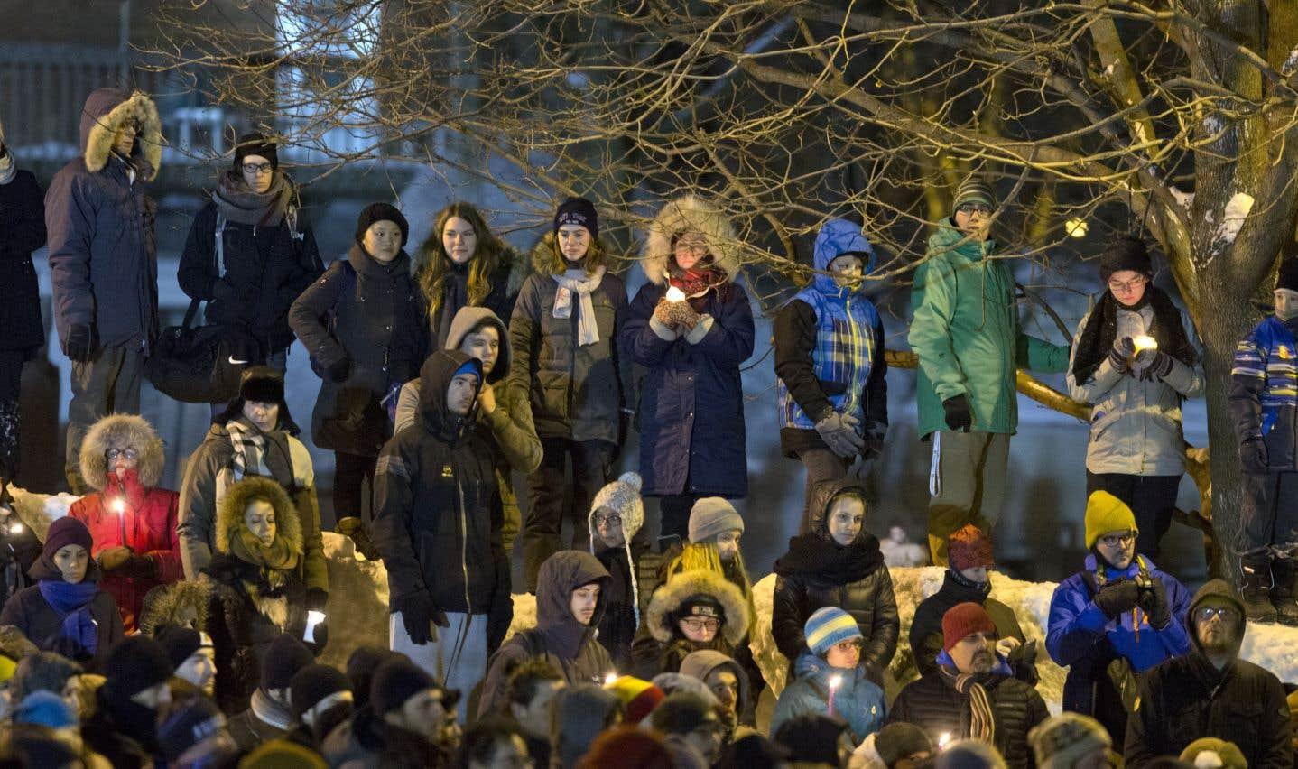 Un an après l'attentat de Québec, les liens tissés se relâchent