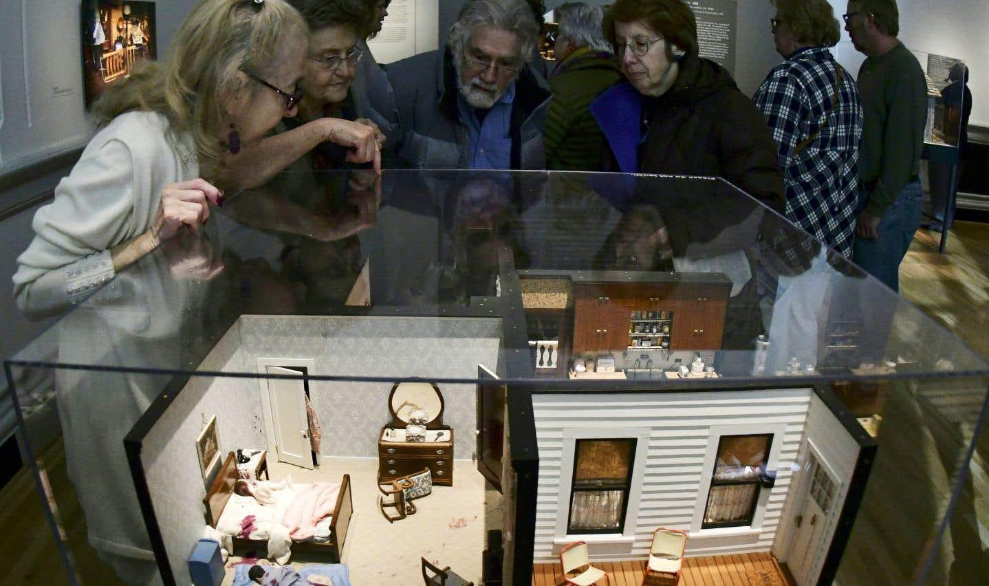 Créées dans les années 1940 et 1950, ces miniatures, que l'on inspecte à l'aide d'une lampe torche, servent toujours à former les limiers de la police scientifique de Baltimore.