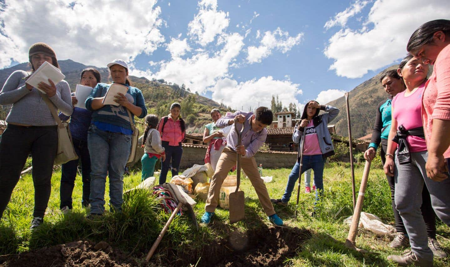 Pour lutter contre les aléas du climat, l'organisme SUCO mise sur le savoir traditionnel des populations locales et l'agroécologie.