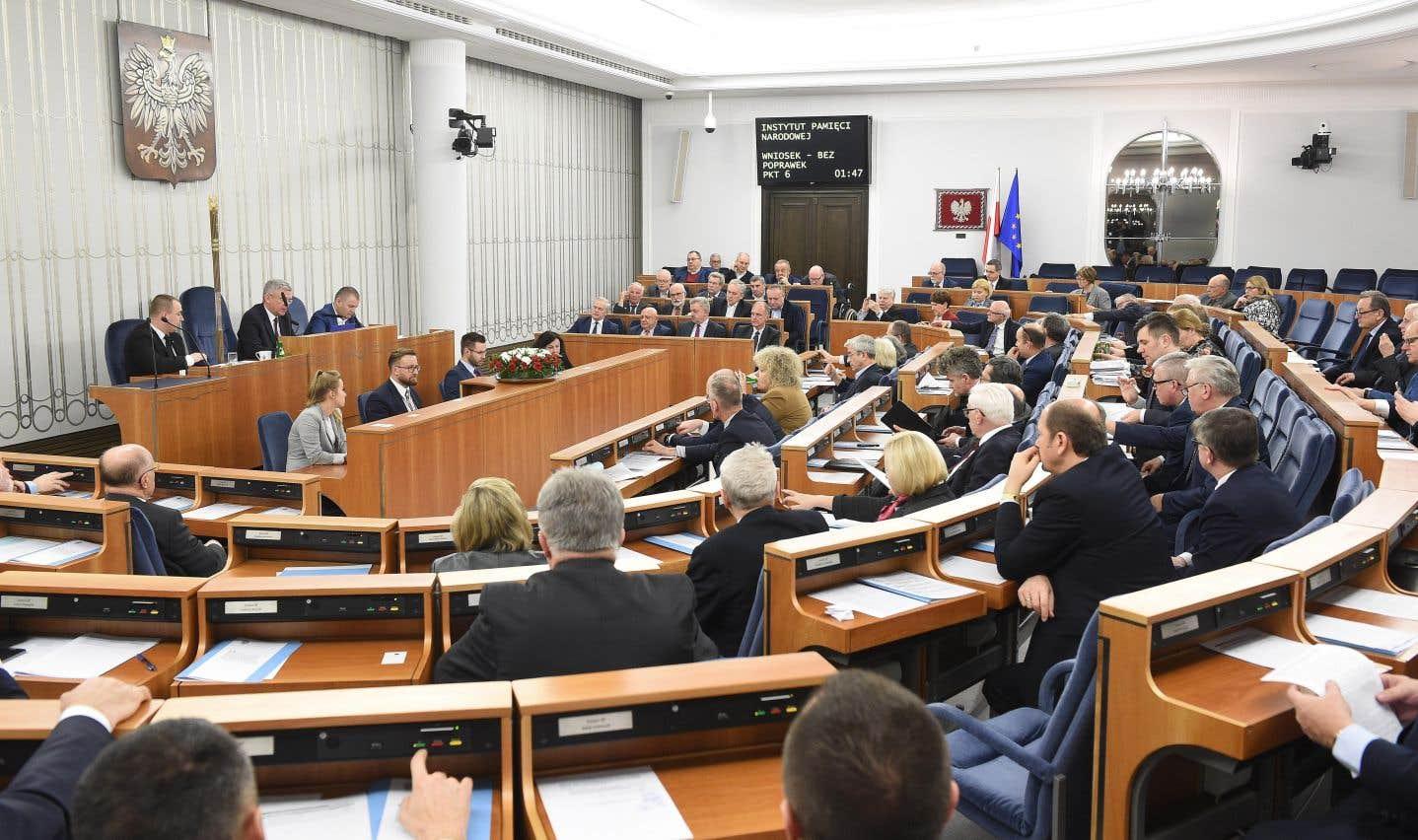 Votée dans la nuit de mercredi à jeudi par le Sénat polonais, la loi pourrait avoir des «répercussions» sur «les intérêts et relations stratégiques de la Pologne».