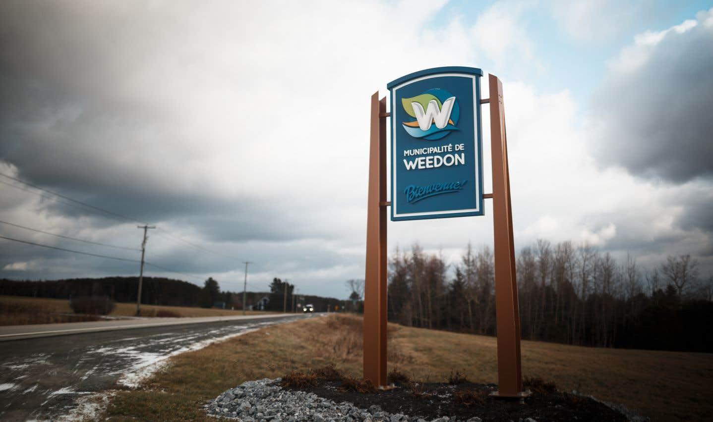 Des promoteurs ont vu un potentiel commercial pour développer le plus gros projet de serres de cannabis dans la petite ville de Weedon, en Estrie.