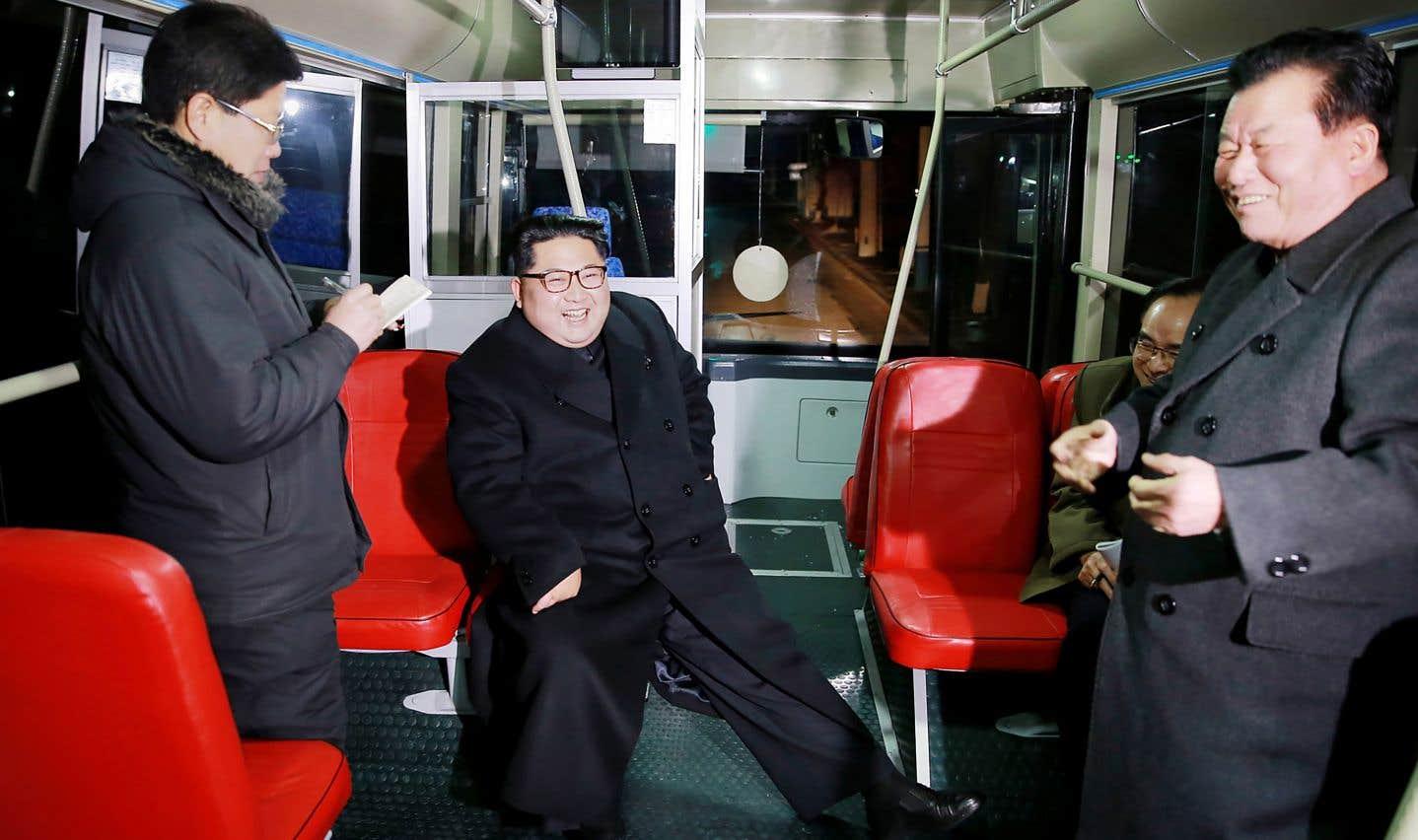 Kim Yong-nam, absent sur cette photo, ne fait pas partie de la famille du leader Kim Jong-un (au centre).