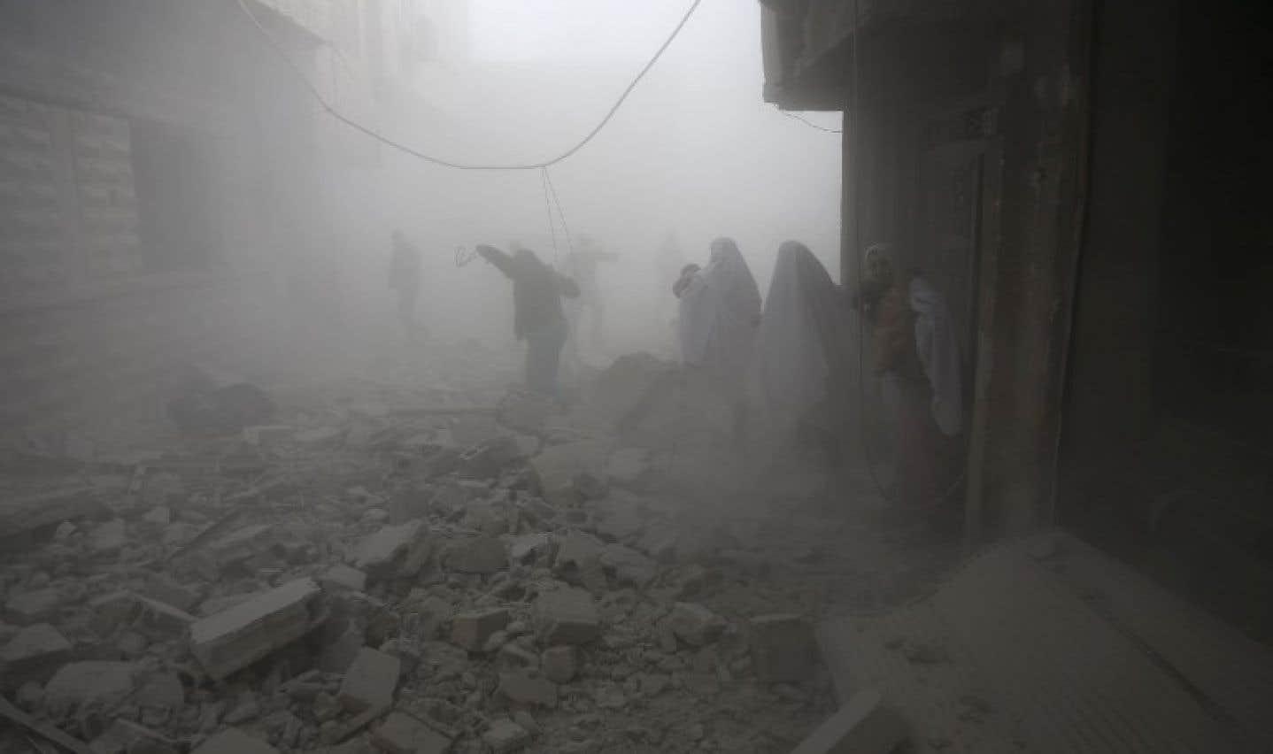 Bombardements en Syrie: des civils souffrent d'asphyxie
