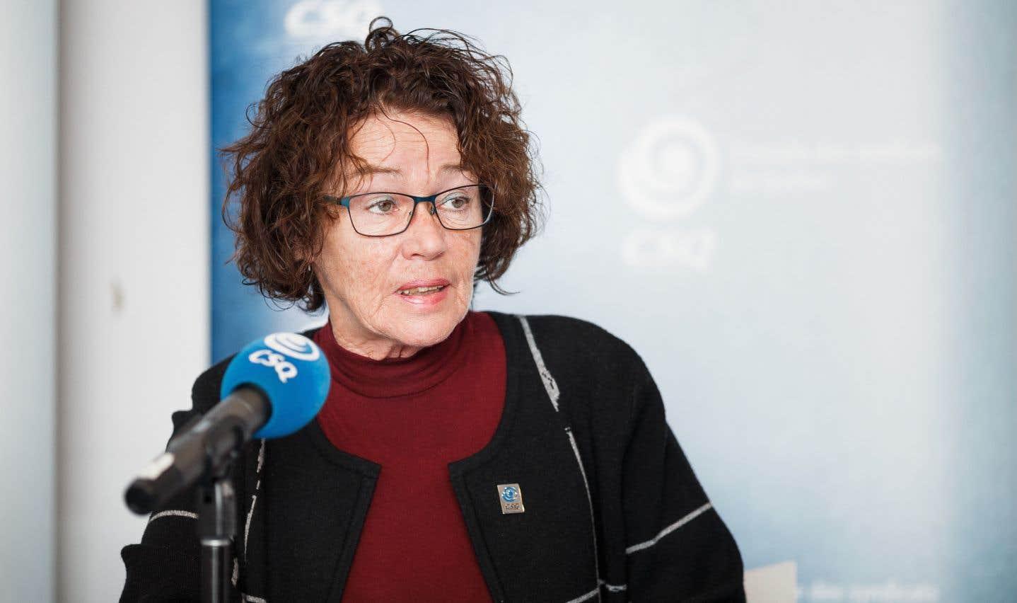 Selon la présidente de la CSQ, Louise Chabot, la stratégie libérale relève davantage du vent.