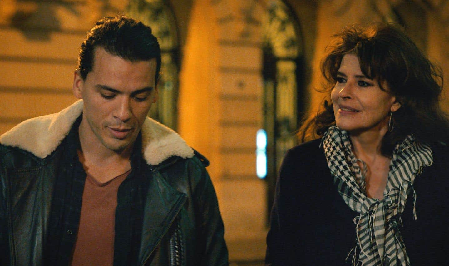 Tewfik Jallab et Fanny Ardant dans une scène de «Lola Pater»