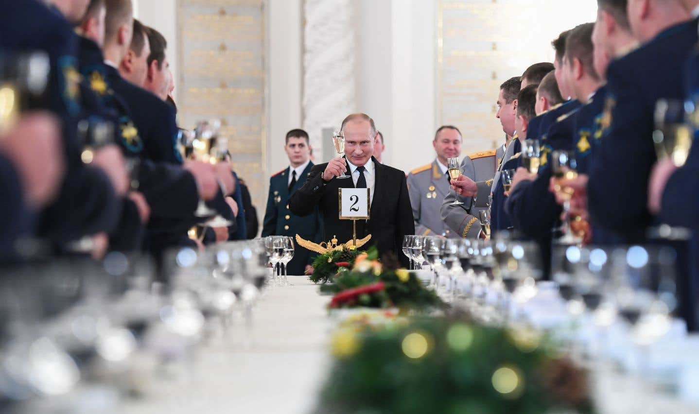 Poutine est devenu un tsar aux mille visages, fait de la multitude de conseillers, d'économistes, de courtisans, d'espions et d'hommes de main dans son orbite.