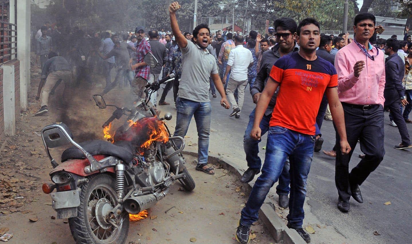 Bangladesh: l'ancienne première ministre Khaleda Zia condamnée à cinqans de prison