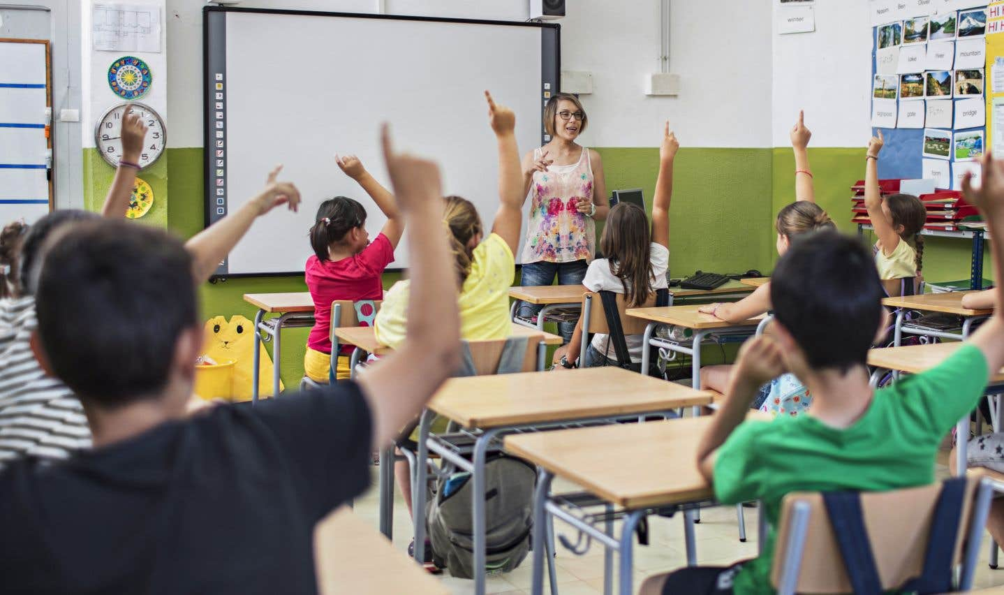Il faut mettre fin aux subventions publiques aux écoles privées, et on mettra fin à une situation où 20% des nouvelles enseignantes quittent la profession au cours des cinq premières années, estime l'auteur.