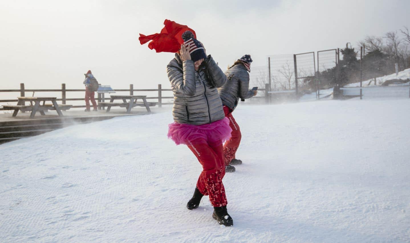 Les conditions venteuses dans les montagnes ont déjà entraîné l'ajournement de plusieurs épreuves, notamment le slalom féminin.