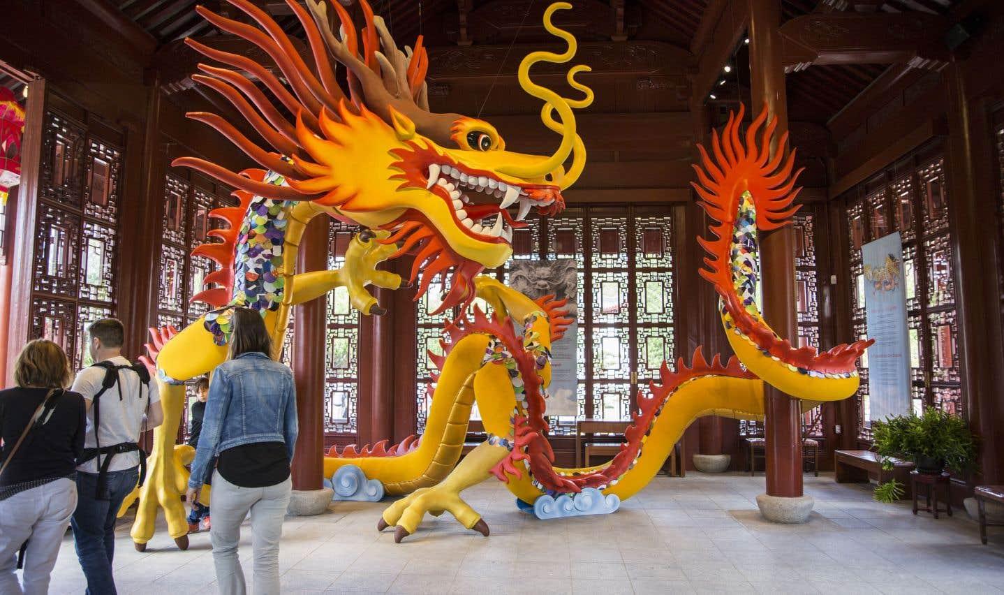 On parle souvent du Nouvel An chinois, mais puisque plusieurs autres peuples d'Asie célèbrent aussi cette fête — les Vietnamiens l'appellent le Têt; les Coréens, Seolnal —, il vaut mieux dire Nouvel An lunaire. Ou Fête du printemps.