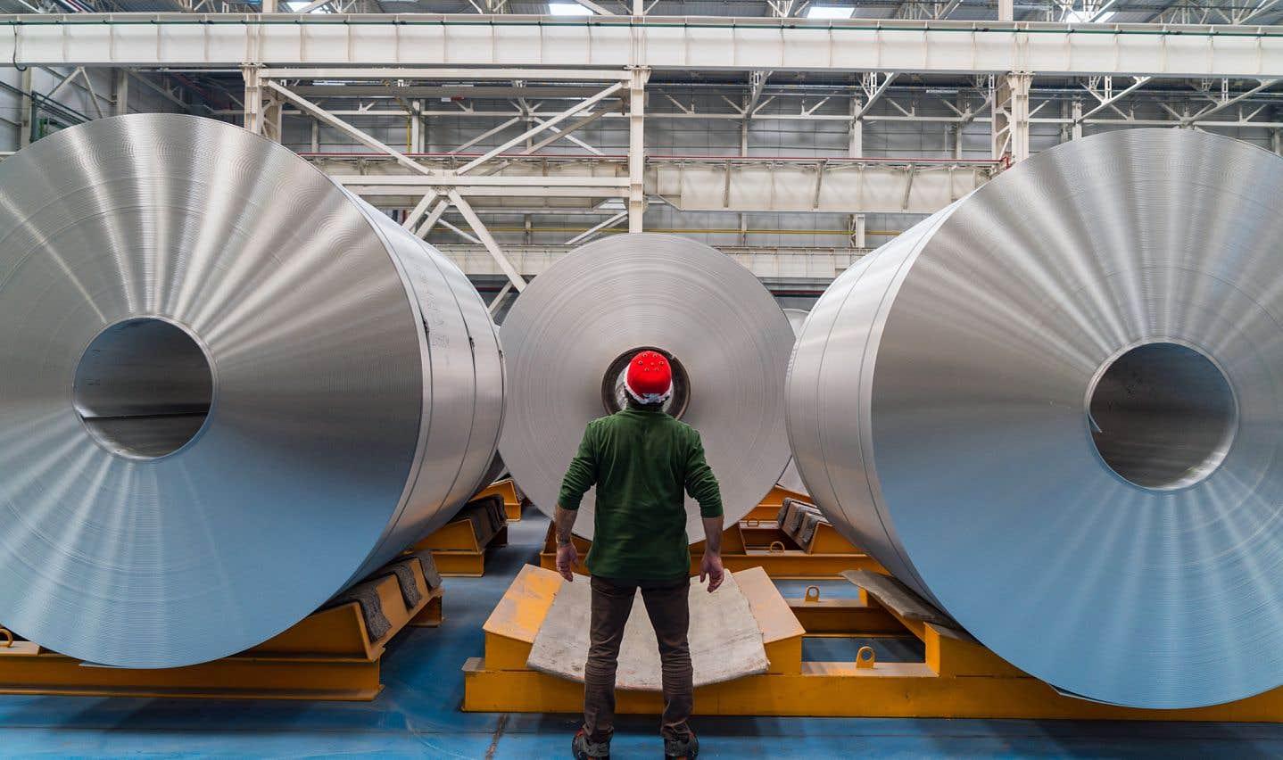 Une taxe à la frontière canado-américaine est envisagée dans le commerce de l'aluminium et de l'acier.