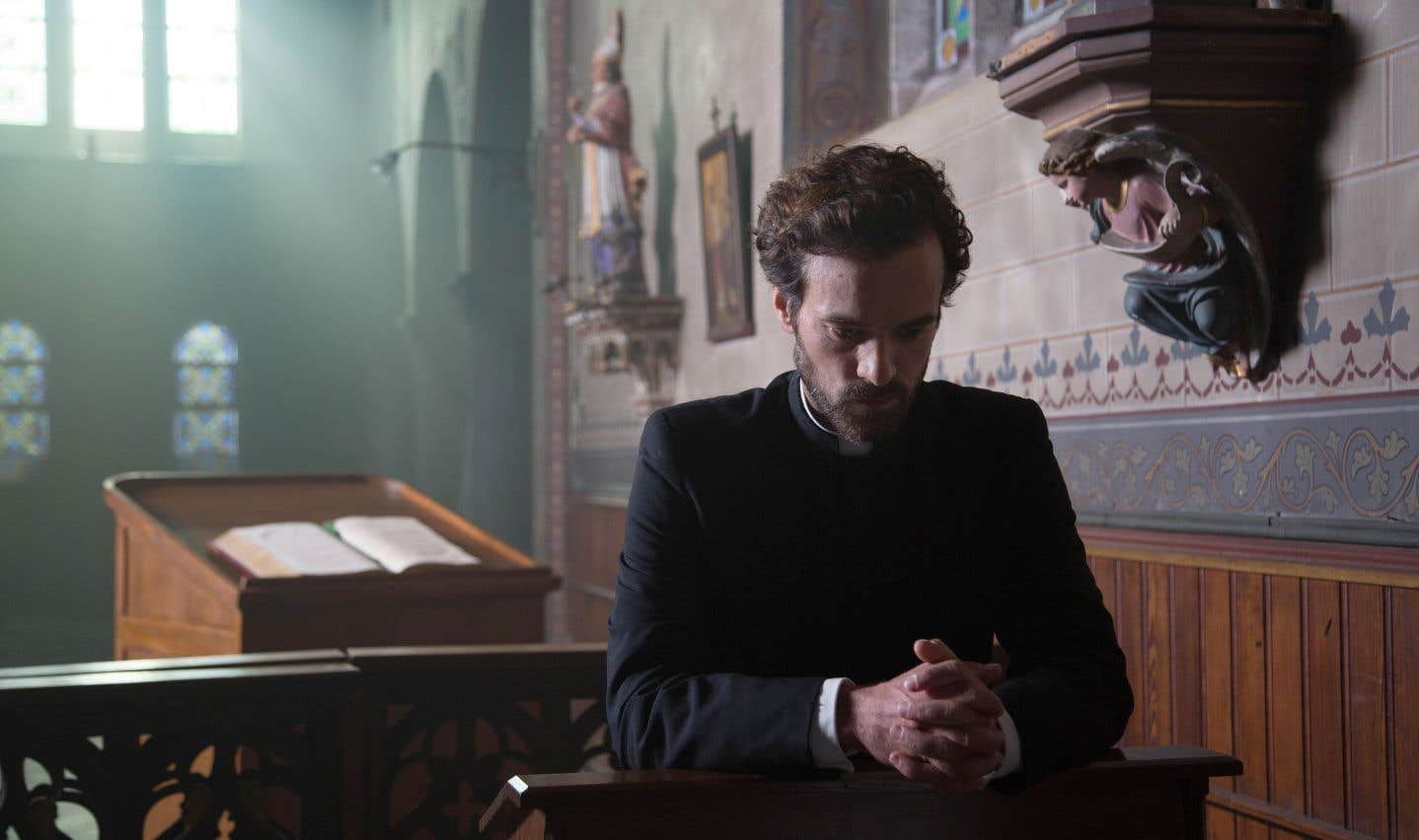 Le cinéma contemporain ne reflète pas la disparition des croyances et des pratiques liées à la foi catholique, mais observe la perte d'emprise de l'Église en tant qu'institution, souligne l'auteure.