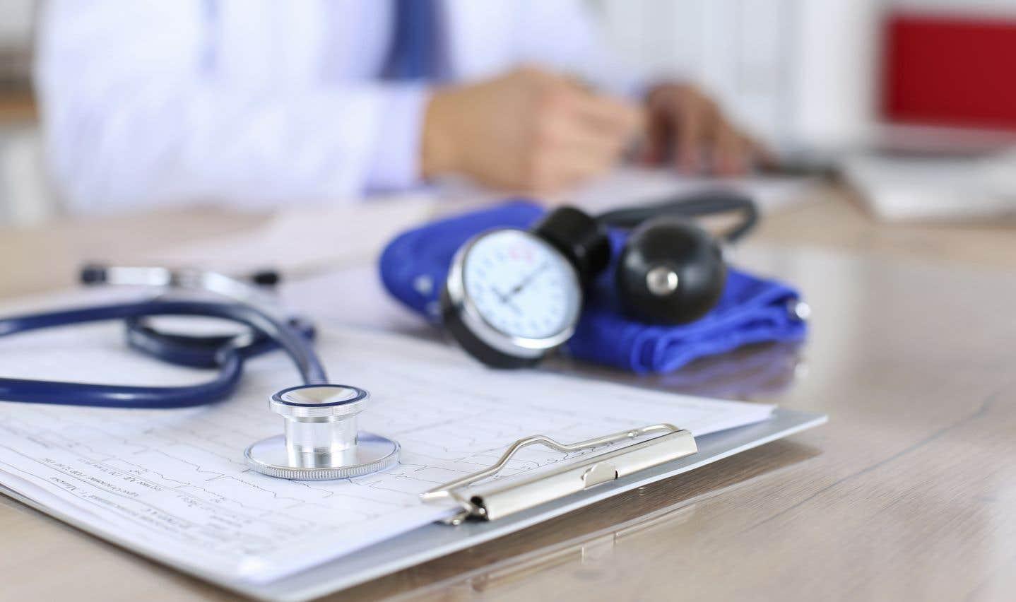 Alors que les médias nous informent semaine après semaine des catastrophes entourant les conditions de travail des infirmières et infirmiers, les médecins spécialistes viennent tout juste d'accepter une augmentation salariale totalisant près de 500 millions de dollars, accuse l'auteur.