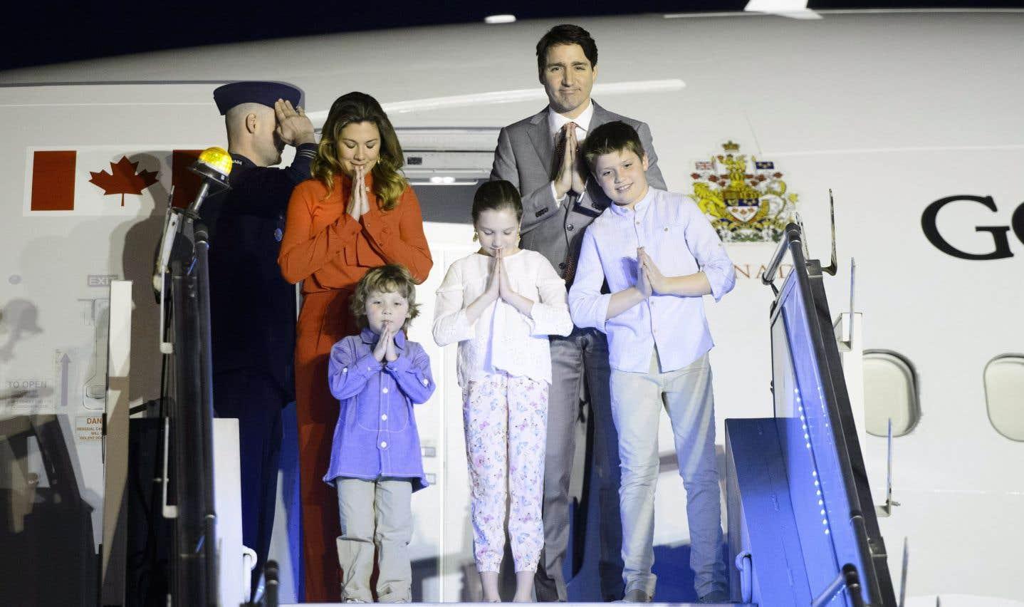 Les Trudeau ont été reçus par Nadir Patel, Haut-commissaire du Canada en Inde, son épouse Jennifer Graham et leur fille de deux ans Nylah.
