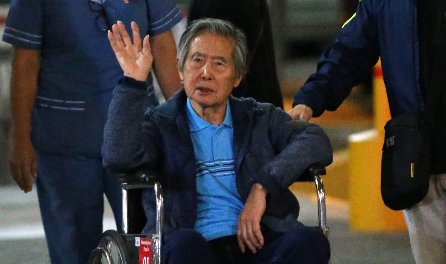 Accusé de crimes contre l'humanité et de corruption, l'ex-président péruvien Alberto Fujimori a été gracié le 24 décembre pour raisons de santé.