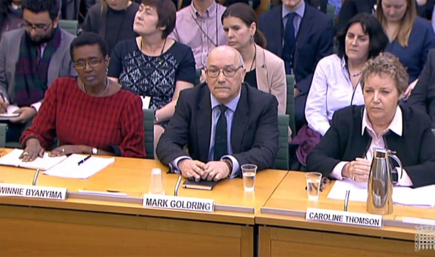 Le directeur général d'Oxfam au Royaume-Uni, Mark Goldring, la présidente du conseil d'administration, Caroline Thomson, et la directrice générale d'Oxfam international, Winnie Byanyima, ont comparu mardi devant le Parlement britannique.