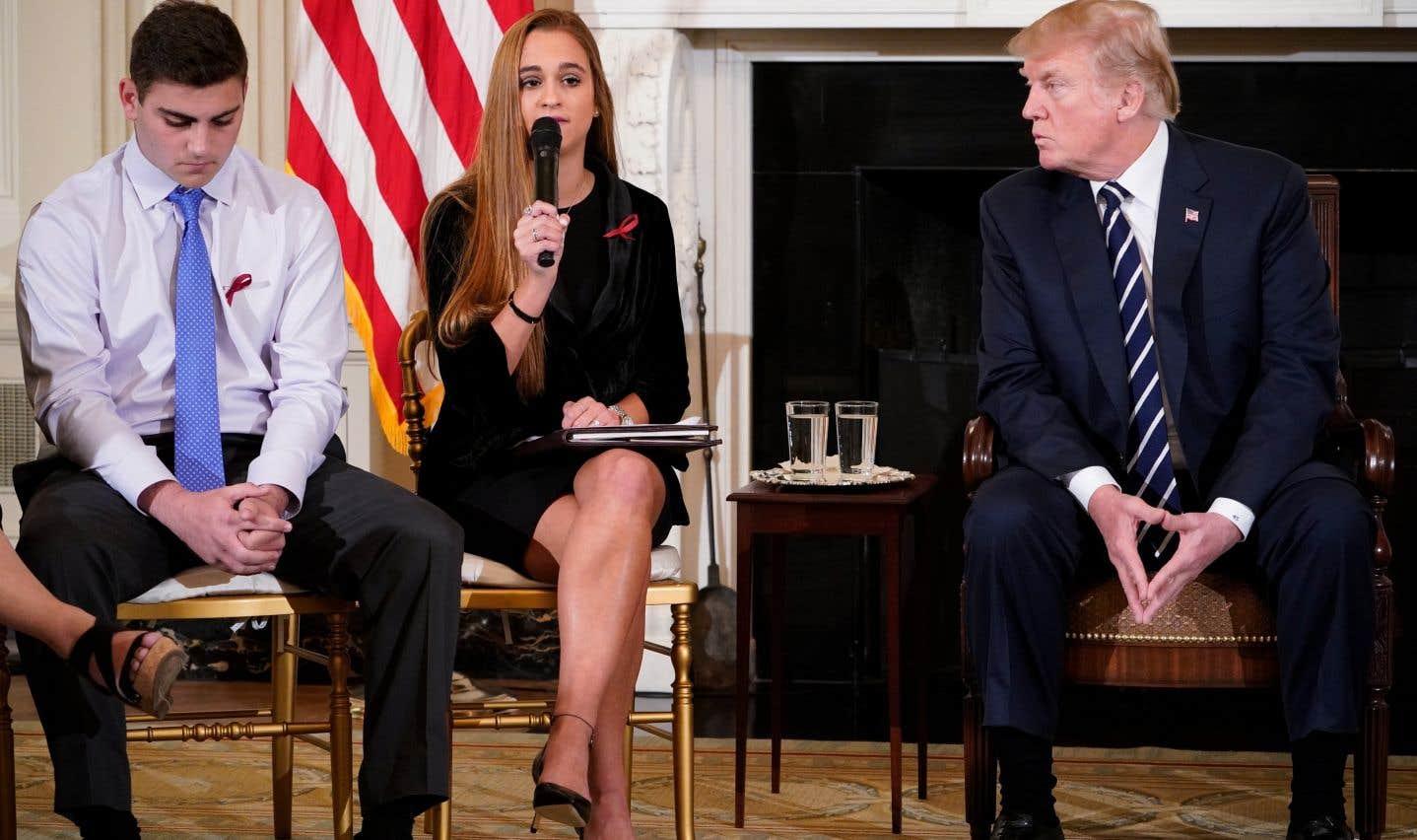 Le président américain Donald Trump a accueilli des survivants de la fusillade de Parkland, mercredi, à la Maison-Blanche.