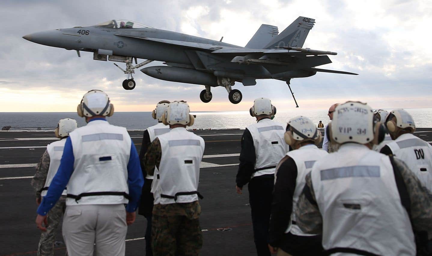 Le gouvernement fédéral a dévoilé jeudi la liste des fournisseurs qui pourront obtenir le contrat pour fabriquer 88 appareils qui remplaceront les vieux CF-18.