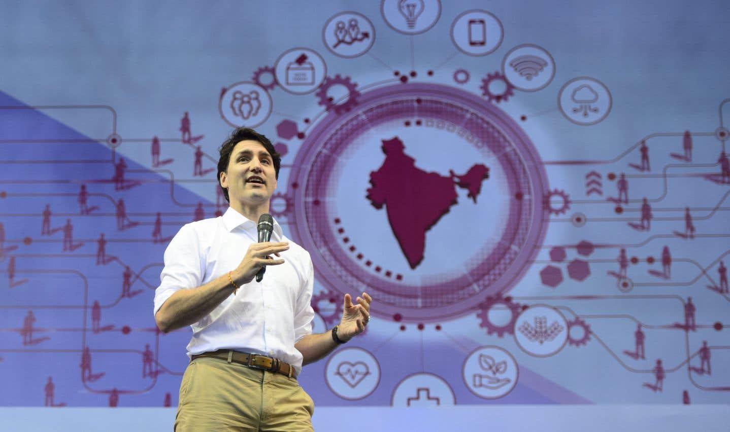 Justin Trudeau s'est adressé samedi à 5000 étudiants indiens réunis dans le stade Indira Gandhi.