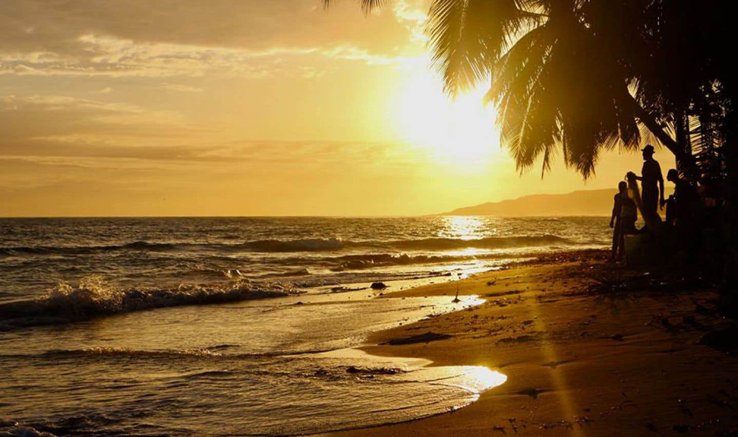 Coucher de soleil sur la plage de Kabic.