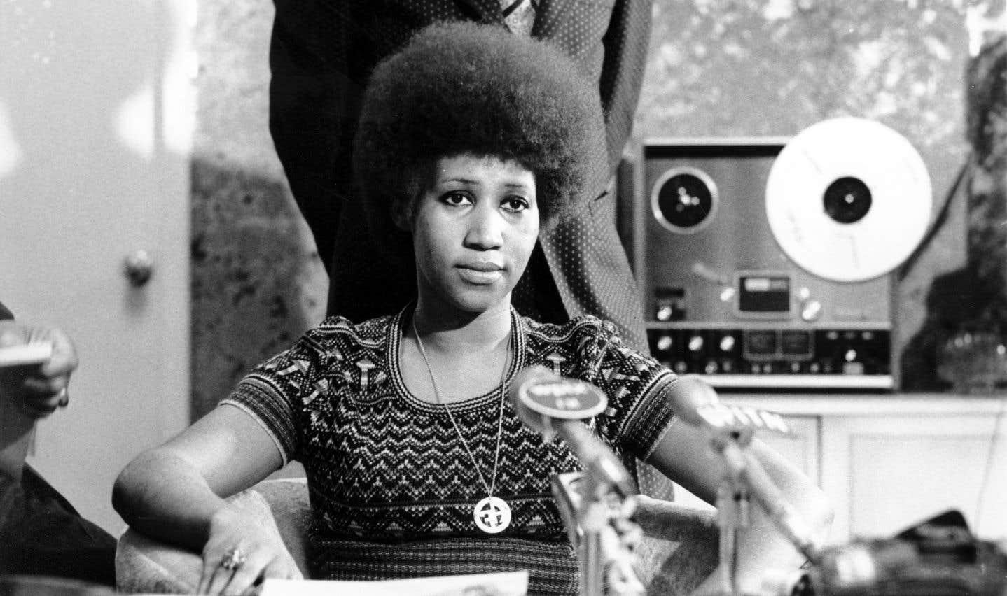 Aretha Franklin lors d'une conférence de presse, en 1973