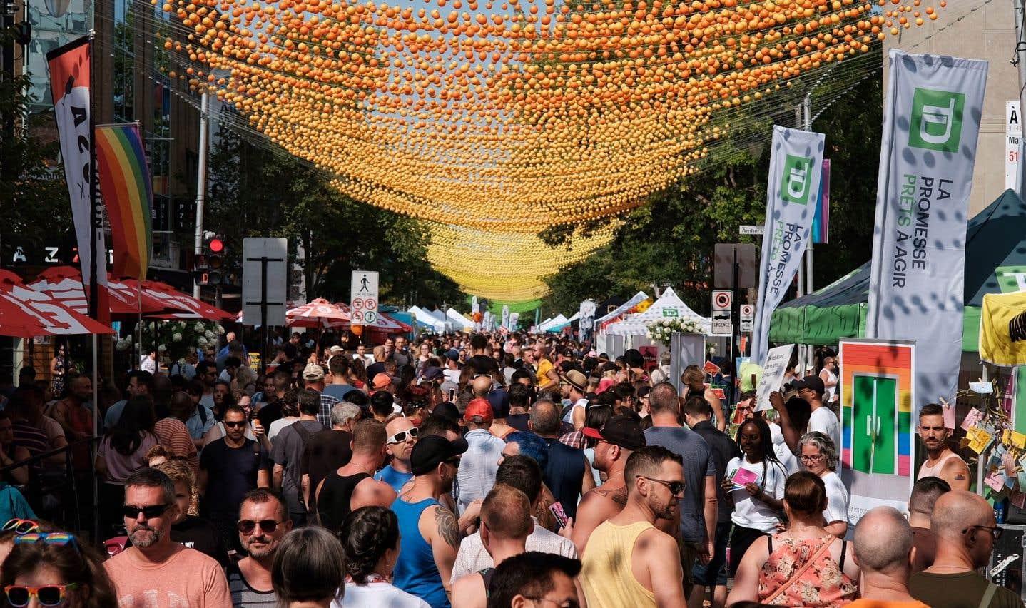 Samedi après-midi, les célébrations de Fierté Montréal ont attiré une foule dense sur la rue Sainte-Catherine.