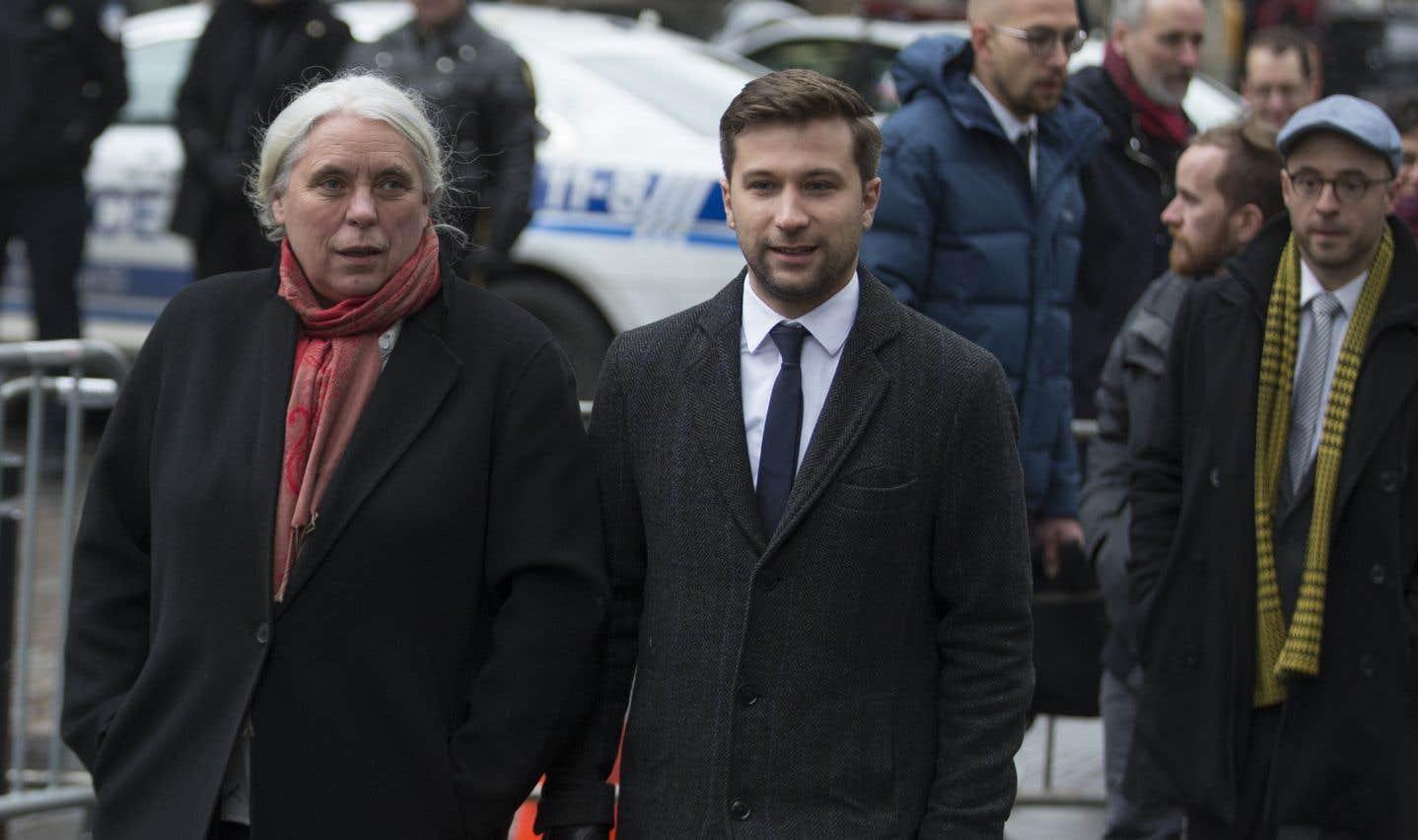 La cérémonie a réuni des politiciens de tous les horizons; les co-porte-parole de Québec solidaire, Manon Massé et Gabriel Nadeau-Dubois, étaient de la partie.