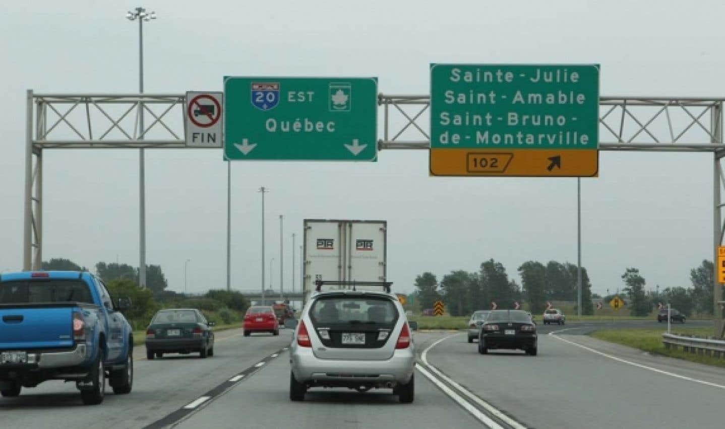 Remplacement de la signalisation routière: le PQ dénonce le cafouillage au MTQ