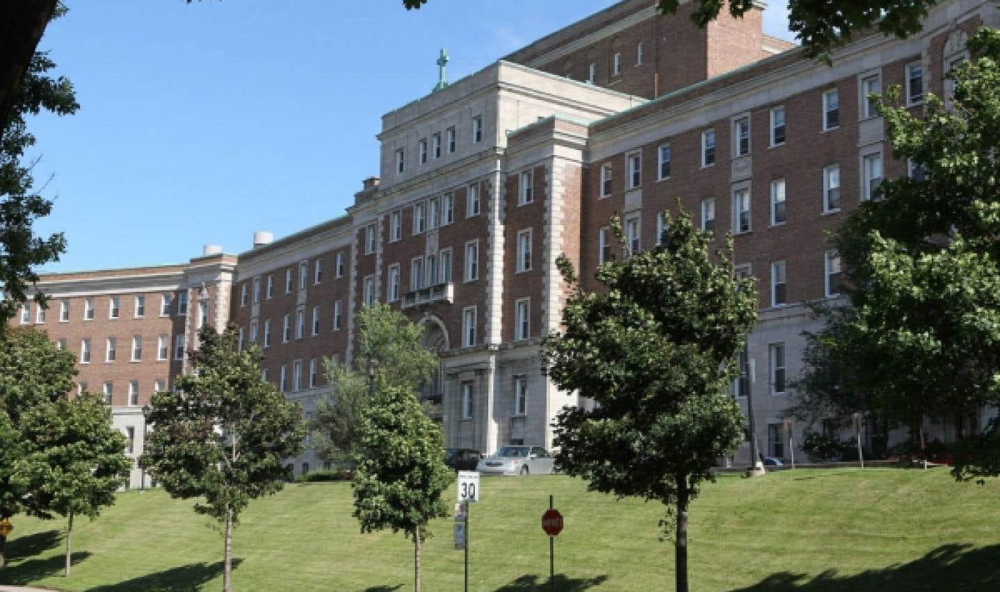 Conversion de l'ancien couvent Mont-Jésus-Marie - Montréal dit avoir écouté les citoyens