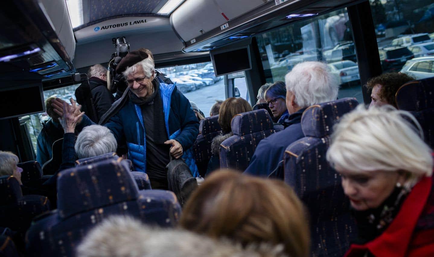 L'ex-employé du «Soleil» Léonce Gaudreault, 85 ans, a choisi de faire l'aller-retour Québec-Montréal pour soutenir ses collègues retraités.