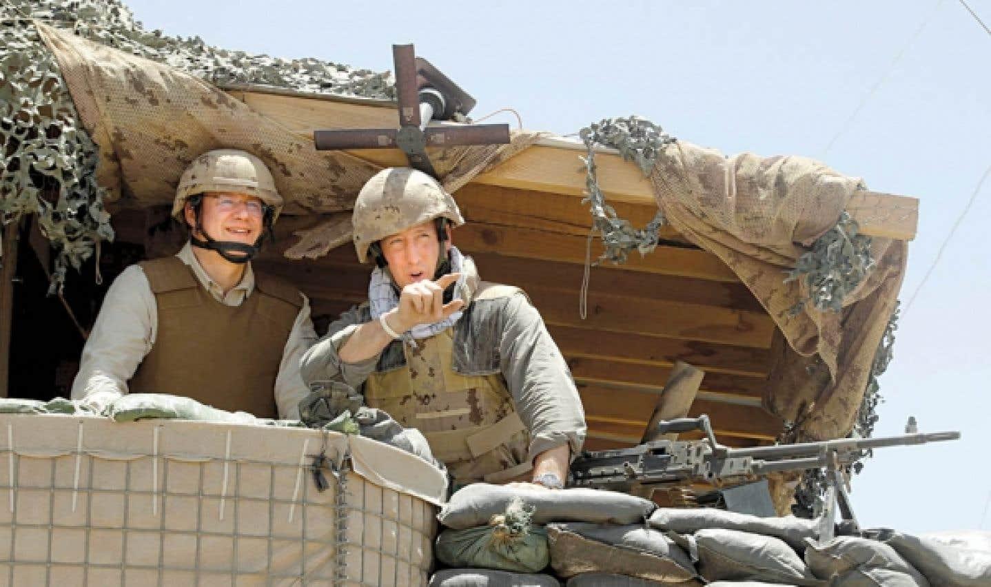 Stephen Harper termine son voyage sur le front afghan - Place à la diplomatie musclée