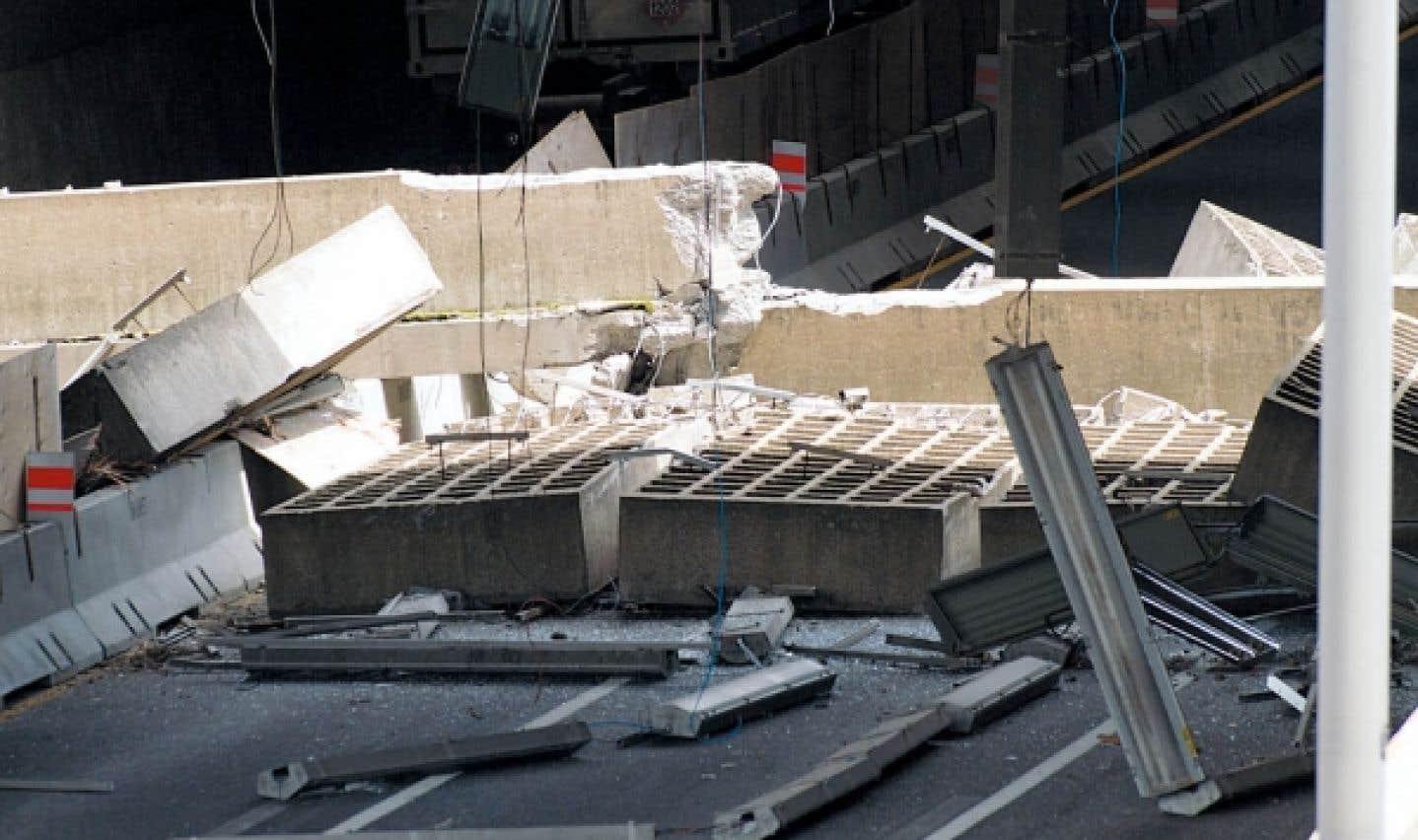 Effondrement sur l'autoroute Ville-Marie - Le béton encore montré du doigt