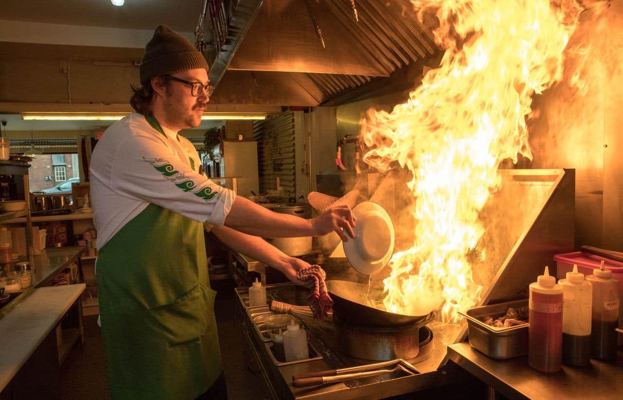 Restaurant Sur La Rue Papiet Saint Zotique