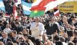 Le pape François a célébré sa première messe au Vatican devant 150 000 à 200 000 fidèles.