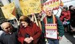 20 avril 2012: manifestation de parents qui demandent qu'on enquête pour retrouver leurs enfants volés sous le régime de Franco.