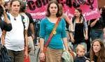 Manifestation à Montréal contre le projet de loi fédéral limitant le droit à l'avortement