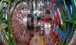 Le CERN a construit deux détecteurs ultrasensibles, dont celui-ci nommé CMS, qui sont capables de déceler tous les débris de la désintégration du boson de Higgs et de les différencier les uns des autres.