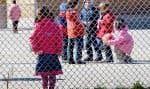 Pour certains enfants, l'école peut rapidement devenir un environnement hostile, et ce, 180 jours par année. On comprend que dans ce contexte il peut être difficile pour eux de se lever tous les matins pour se lancer dans cette jungle. Dans ces conditions, la motivation scolaire est proche de zéro.