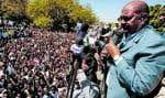 Omar al-Béchir a harangué ses partisans hier à la suite du mandat d'arrêt délivré la veille par la CPI.