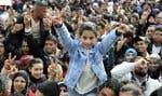 Le rapport souligne que les jeunes sont un moteur de changement, puisqu'ils se trouvent à la tête des grands mouvements sociaux, l'exemple le plus frappant étant les manifestations du printemps arabe.