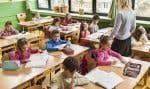 «Si on ne donne pas aux enseignantes les moyens de travailler correctement, on ne peut pas espérer que l'école soit un vecteur réel pour lutter contre le sexisme», estime Aurélie Lanctôt.