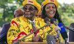 Robert Mugabe et son épouse Grace, à un événement pour soutenir MmeMugabe comme prochaine vice-présidente du parti, le 8novembre.