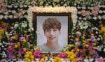 Kim Jong-Hyunétait perçu comme une vedette modèle de la K-pop, avec sa voix parfaite et ses talents de danseur.