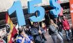 Une manifestation réclamant la hausse du salaire minimum à 15$ l'heure s'est déplacée de la station de métro Lionel-Groulx au parc Jarry, à Montréal, en octobre.