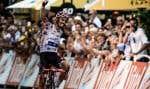 Le Français Julian Alaphilippe a gagné la première étape du massif pyrénéen, mardi, à Bagnères-de-Luchon, en conclusion d'une journée riche en coups de théâtre.