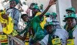 Des partisans du président zimbabwéen sortant étaient en route, samedi, pour assister au tout dernier événement de la campagne d'Emmerson Mnangagwa, tenu à Harare.