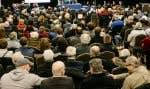 Les audiences du BAPE sur le projet de l'oléoduc Énergie Est avaient attiré un grand nombre d'opposants à Lévis, en mars 2016. En général, la participation aux audiences est néanmoins à la baisse, reconnaît toutefois le président de l'organisme.